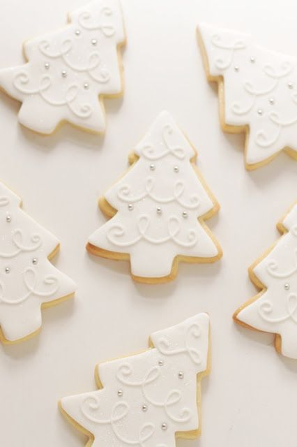 White Christmas Tree Cookies... no recipe here, but these are so clean and simple and pretty to look at.