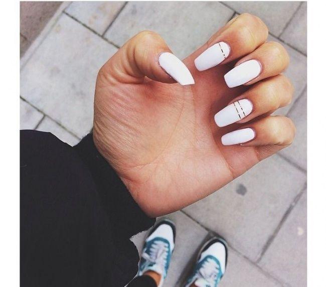 Biały manicure - eleganckie wzorki na paznokcie do ślubu, na wesele i na szczególne okazje - Strona 19