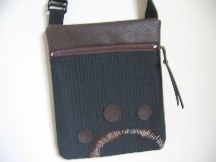 """Pocket purse"" with faux leather details"