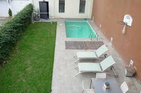 Organizar un patio peque o con una pileta chica buscar Decoracion de patios pequenos con pileta