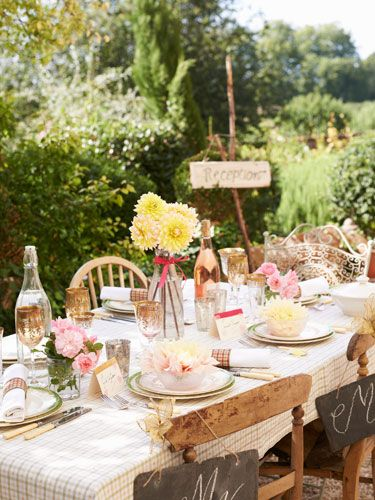 Setting Your Outdoor Table: Stock Up on Neutral Placemats