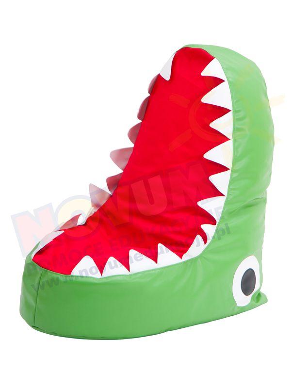 NOVUM - Pufa z granulatem Paszcza krokodyla 4640033  Dziecięca pufa – fotel o wizerunku paszczy krokodyla jest niezwykle wygodnym siedziskiem. Dzięki swojemu wypełnieniu milionami styropianowych kuleczek siedzisko idealnie dopasowuje się do kształtu ciała dziecka.  Połączenie wygody i komfortu z niespotykanym wzorem.