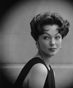 Love the volume of this charming 1950s Italian cut, as well as her beautiful eye make-up.