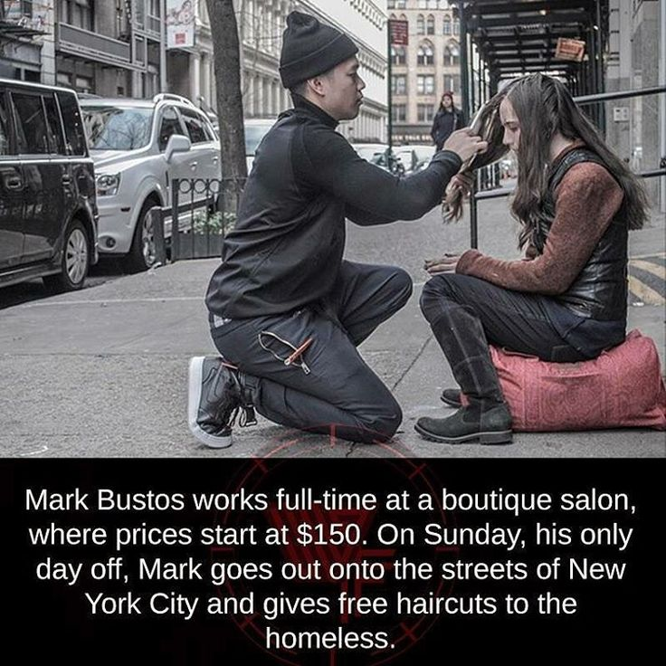 @MarkBustos works full-time at a boutique salon, where the prices start at $150. On Sunday, his only day off, Mark goes out onto the streets of #NewYorkCity and gives free haircuts to the #homeless. Talk about being #compassionate. Mark, you are amazing. Via @impressive.things