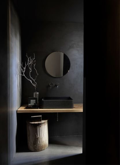 Marco Costanzi / Black interior.