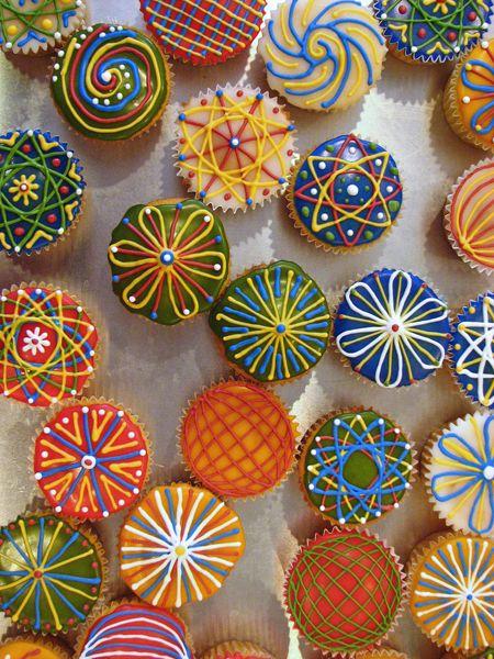 mandala cupcakes.