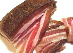 ПАНЧЕТТА И ПРОШУТТО .... грудинка свиная `~ 500г, - соль крупная — 2 ст.л. с горкой, - перец черный горошком — 1 ст.л., - перец красный острый (порошок) — 1 ч.л., - пеперончино (перец острый) — 1 шт., - кориандр в зернах – 1 ч.л. - лавр — 4-5 листиков, ————- - окорок свиной ~ 500г - соль крупная — 2 дес.л. без горки, - сахар – ½ ч.л., - смесь 5 перцев — 1 ч.л., - перец розовый горошком — ½ ч.л., - базилик сушеный — 1 ст.л