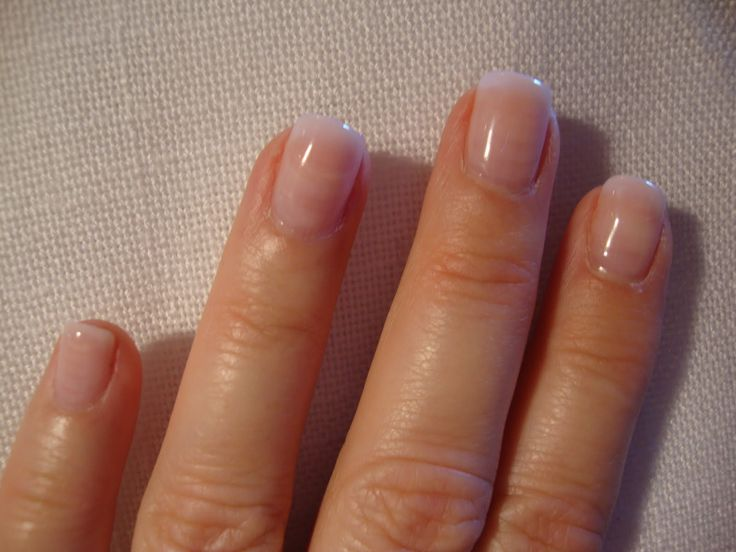 natural looking acrylic nails