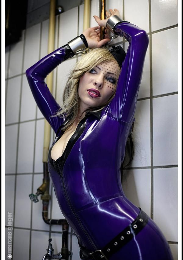 sexy girl in latex naked
