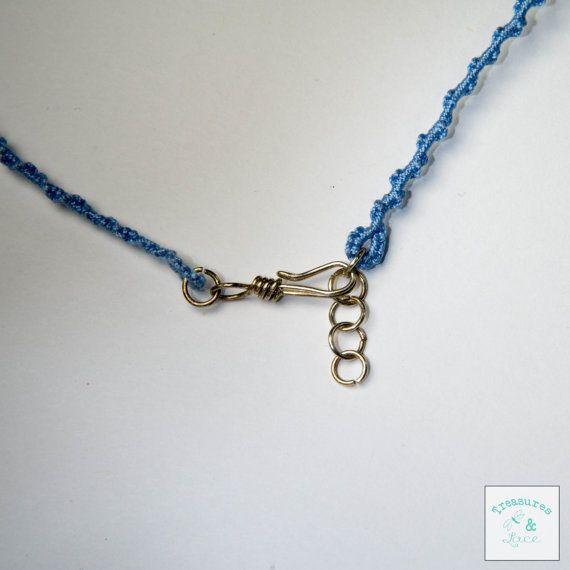Collar cordón ropas en bígaro azul