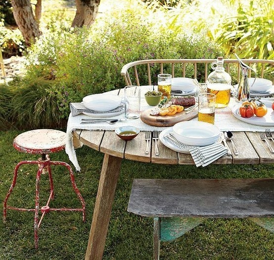 barbeque   - more at: http://pinnedrecipes.net: Outdoor Dinners, Summer Day, Outdoor Tables Sets, Summer Bbq,  Bees Houses, Backyard Dinners Parties, Fav Http Pin Recipes Com, Fav Httppinnedrecipescom, Dining Tables