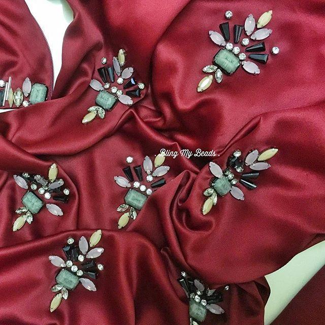❤️❤️❤️ . . . . #bead #beads #beading #beadingwork #manik #jahitmanik #sayajahitmanik #sayajual #sayajualservice #crumble #bajukurung #chunkybeads #vsco #igdaily #lace #igoftheday #ootdmalaysia #vsco #veil #ootd #potd #pengantin #bajupengantin #hijab #hijabista #craft #muslimah #muslimahfashion #red #hot