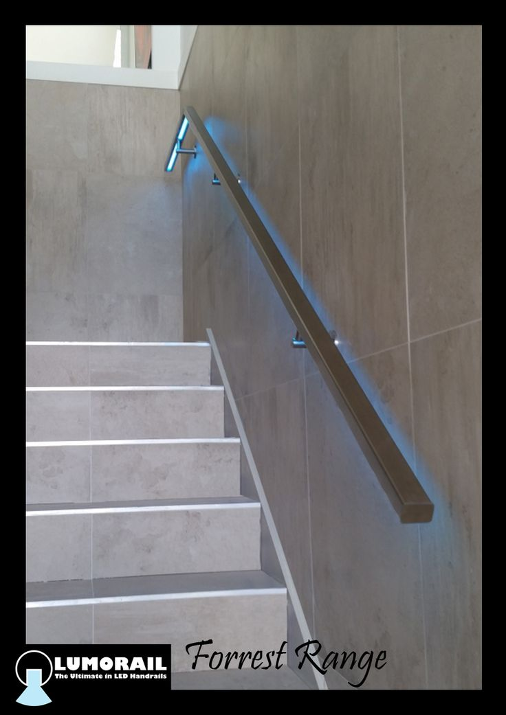 The stunning Forrest Range LED Illuminated handrail in rectangular 31x39 rail, the perfect addition to this beautiful home in Mount Martha. Featuring our patented hollow bracket adapter system. See www.lumorail.com.au for more info.