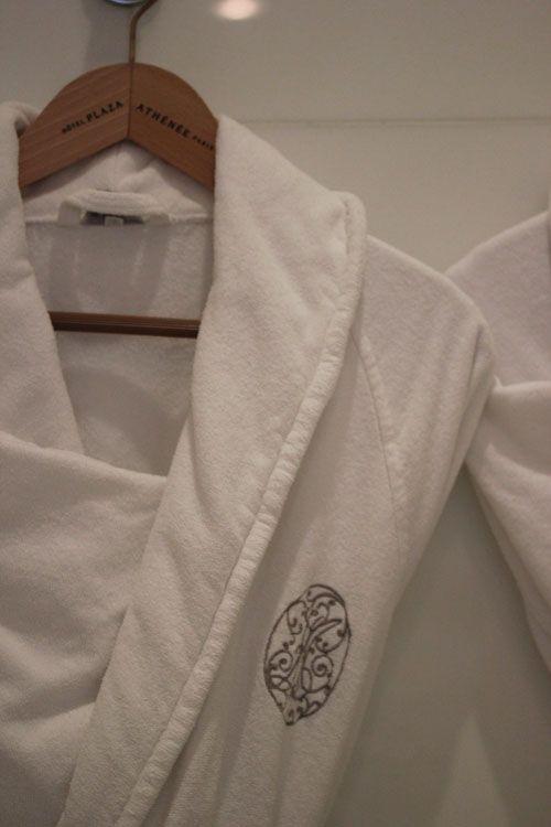Plaza_Athenee-Paris-Suite_Eiffel-361-Room-Bathroom-Peignoirs-Sweet_until_the_end