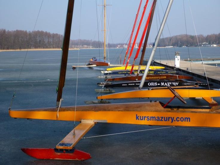 Bojery - żeglarstwo na lodzie - www.kursmazury.com