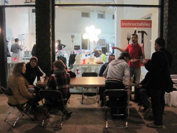 Instructables restaurant, the first open source restaurant in the world / o primeiro restaurante open source do mundo