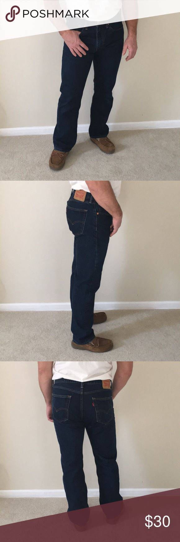 MENS 505 LEVIS BLUE JEANS 33 x 32 MENS LEVIS 505  BLUE JEANS SIZE 33 x 32. IN NEW CONDITION. WORN ONCE. NO TAGS. Levis Jeans Bootcut