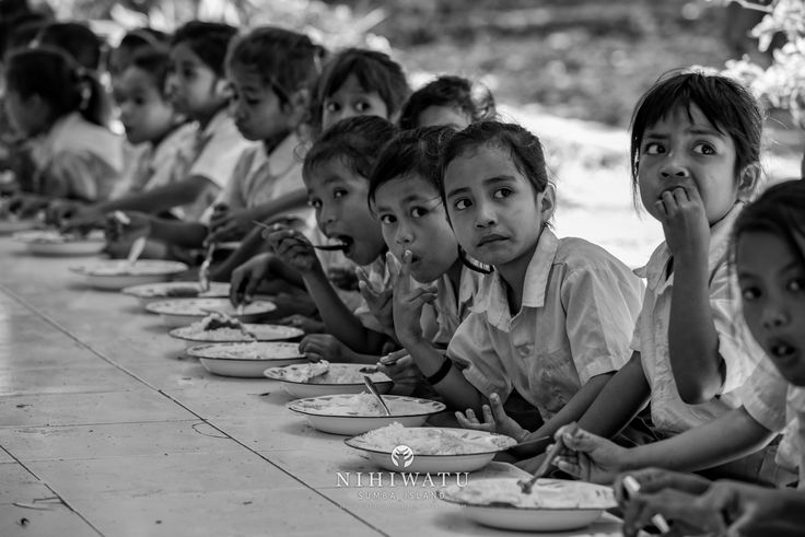 The school lunch program is one way Nihiwatu supports The Sumba Foundation, making an impact on our surrounding villages. Visit nihi.com to learn more | Shot by Tania Araujo | #nihiwatu #nihigram #sumbaisland #indonesia #sumbafoundation #villagetour #localvillages #wonderfulindonesia #service #giveback