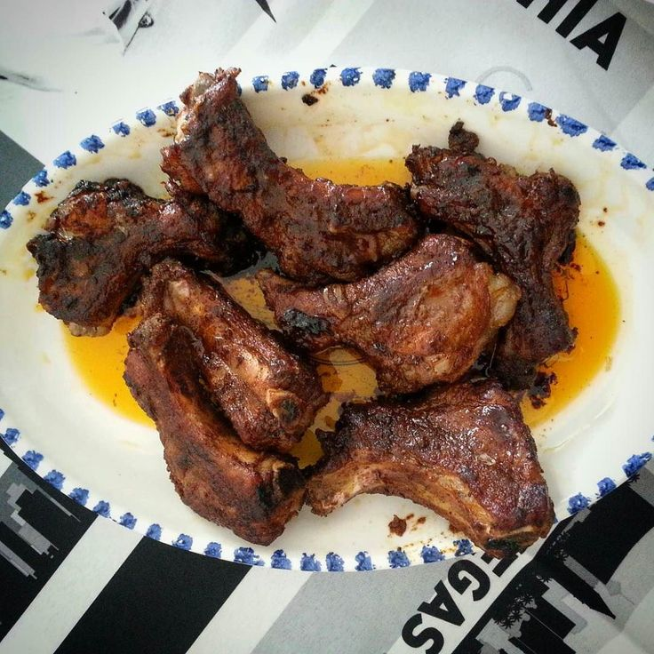 Ribs alla Frank Underwood: la passione per la serie ha risvolti anche in cucina!  http://kiala.altervista.org/blog/costine-maiale-pork-ribs/  #kialacamper #kialaathome #ribs #bbq #foodporn #food #dinner #foodie #delicious #meat #yummy #grill #homemade #foodgasm #hungry #porkribs #thehouseofcard #houseofcard #frank