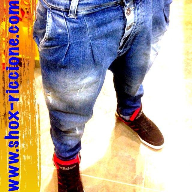 NEW!!!!nuovi JEANS SQUAD2 CARROT FIT!!!venite a trovarci allo SHOX urban clothing di viale dante 251 Riccione APERTI tutti i giorni anche la DOMENICA POMERIGGIO !per info e vendita contattateci su FB: @ SHOX URBAN CLOTHING ,spedizione in tutta Italia con corriere 5€! #carrot #fit #jeans #2015 #SHOX #Squad #comevuoitu #sartoriainterna #fashion #spring #fresh #streetwear #life #esclusivo #nuoviarrivi  #swag  #solodanoi  #esclusivo #unici