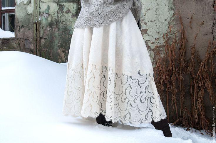 Купить или заказать Валяная юбка Морозко в интернет магазине на Ярмарке Мастеров. С доставкой по России и СНГ. Материалы: шерсть меринос, шёлк натуральный,…. Размер: размер свободный<br /> длина по переду…