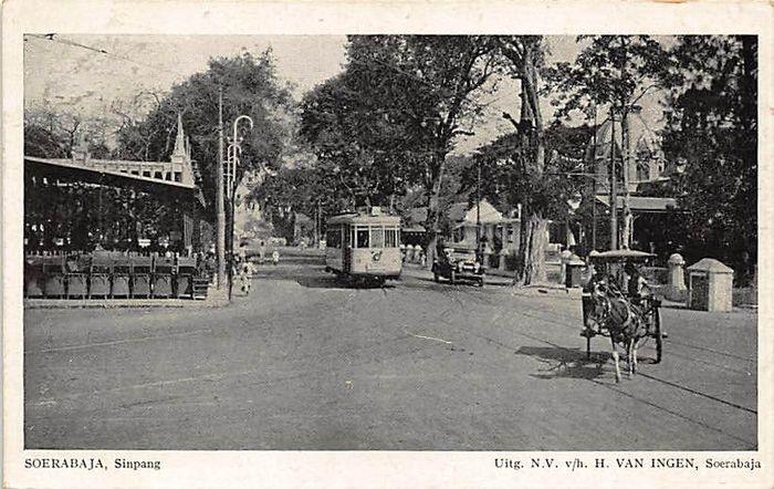 Nederlands-Indië met fotokaarten en tram en militair 52x