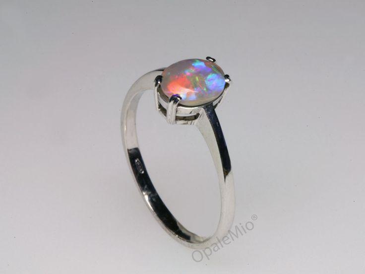 Anello in argento e opale australiano, la semplicita' esalta la bellezza! Australian natural crystal opal silver ring minerals gems jewellery