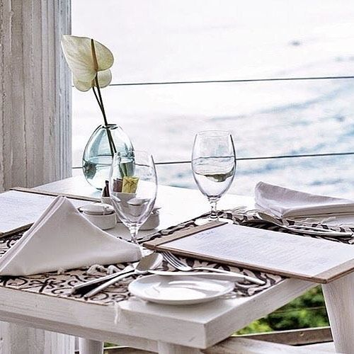 After a soothing spa treatment at Karma Spa, Karma Kandara, head to our stunning di Mare restaurant for a delicious and healthy dinner. Situated high above the ocean, di Mare offers diners quite possibly the best dinner view in all Bali!   Credit: @herdianahs   #ExperienceKarma #KarmaSpa #Yum #Yummy #Food #Luxury #Bali #DiMareRestaurant #KarmaKandara #AwardWinningSpa #BestExperience #potd #bliss #InstaLike