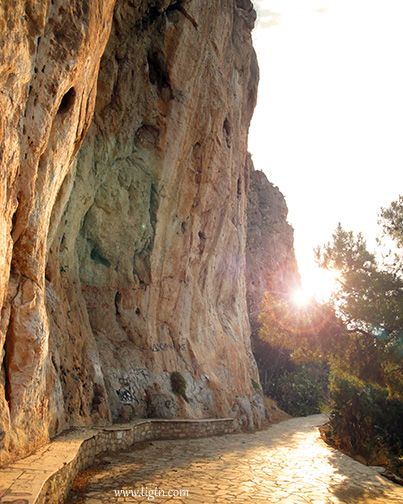 Sunrise along the trail of #Arvanitia in #Nafplio - #Greece