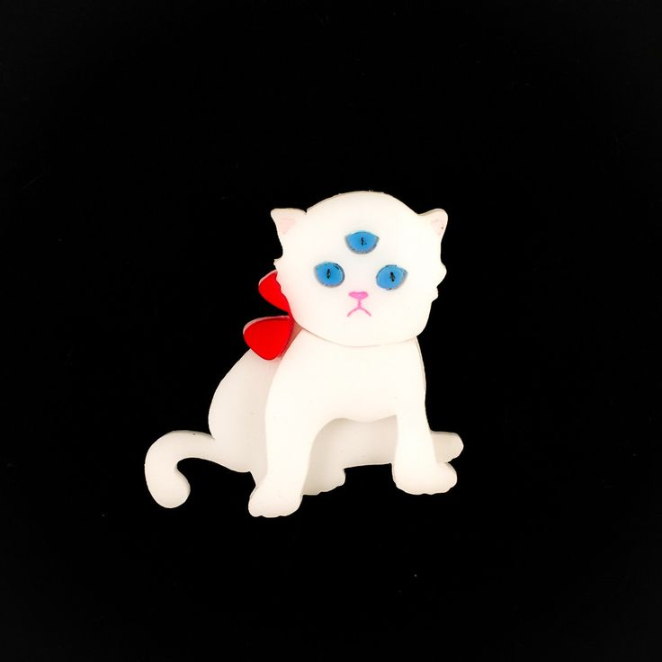 White kitten brooch via baccurelli #witcherystyle