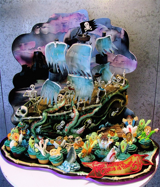 Haunted pirate ship cakeincredible