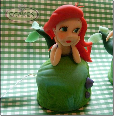 """Cute!  """"If you've ever held a child's birthday party, you know that one of the hardest things to decide on is what to give as goody bags.  Eva Maria Benavente Bartolome has the coolest solution.  For a Little Mermaid birthday party, she made individual Little Mermaid cakes for each child.  The workmanship on these Ariel figures is amazing."""""""