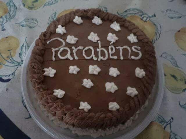 Torta simples de aniversario   Rose truffas e cia Faça ja sua encomenda (83)98898-8754