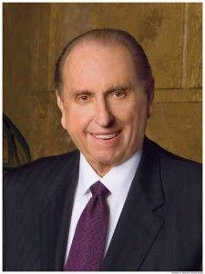 Qui sont les missionnaires? http://templeparismormon.com/493/les-missionnaires-mormons-2