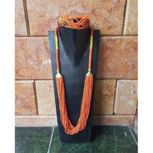 Saya menjual kalung dan gelang etnik kalimantan KL12 seharga Rp155.000. Dapatkan produk ini hanya di Shopee! https://shopee.co.id/norayani/194786417 #ShopeeID