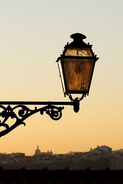 You see these lamps everywhere in #Lisboa #Portugal