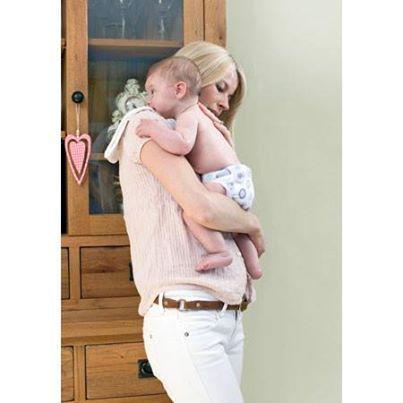 Miosqures müslin bez anne babalar için olmazsa olmazdır, dökülenleri silme bezi, omuz bezi ya da yumuşak battaniye olarak kullanılabilir.http://www.bambinomio.com/tr/miosquares
