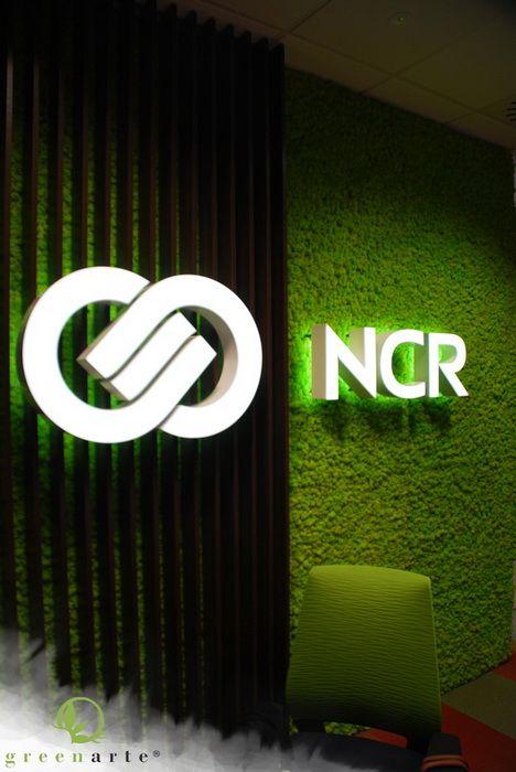 Mech z logo NCR Warszawa wrzesień 2014