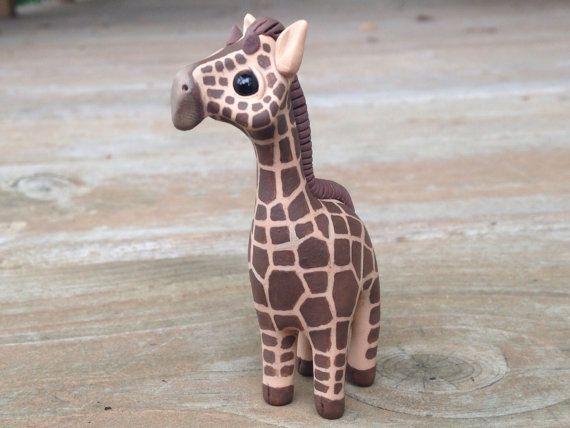 Jirafa: Figura animal miniatura hecha a mano del por AnimalitoClay