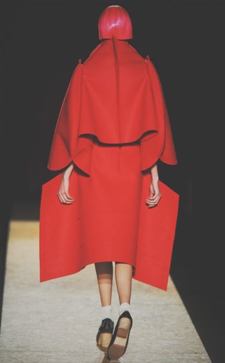 the back paneling reminds me of flower petals. rei kawakubo - comme des garcons a/w 2012