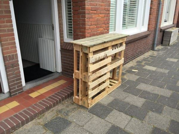 BBQ Side Table Made From 2 Old Pallets