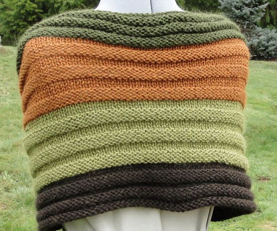 KNIT PATTERN - Quatro Capelet Shawl   Knit patterns, Shawl ...