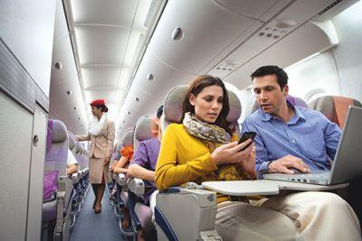 Emirates oferă internet în 100 de aeronave