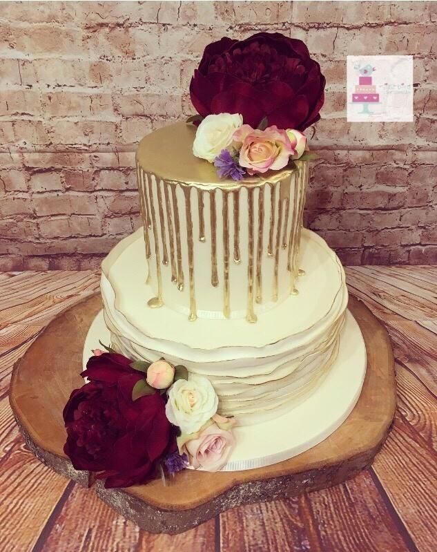 Gold drip and ruffles by Littlebirdcakecompany