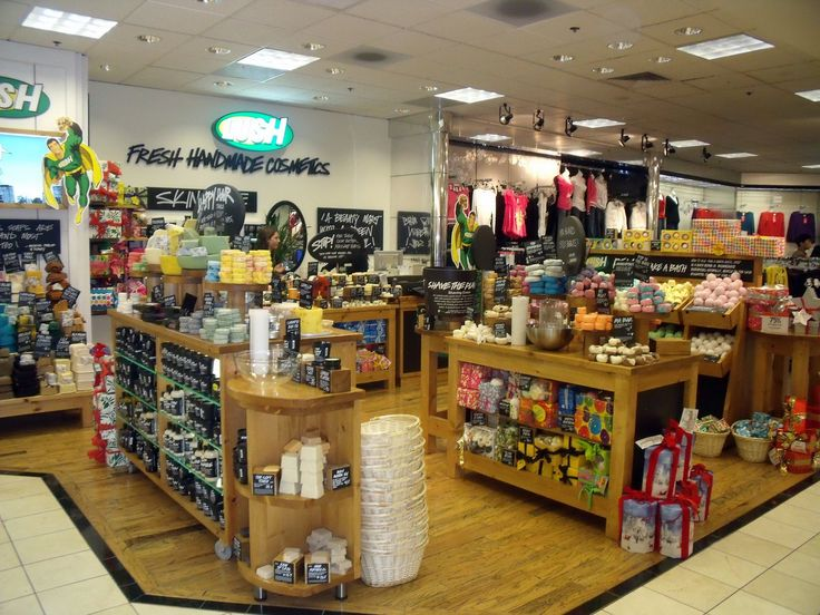 LUSH....love all their products! I minus this most about not being in Los Angeles anymore :(