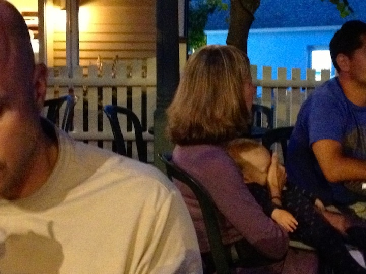 Eating dinner in Maine.  This woman held her hand over her baby's face the whole meal.  What the hell!: Baby Faces