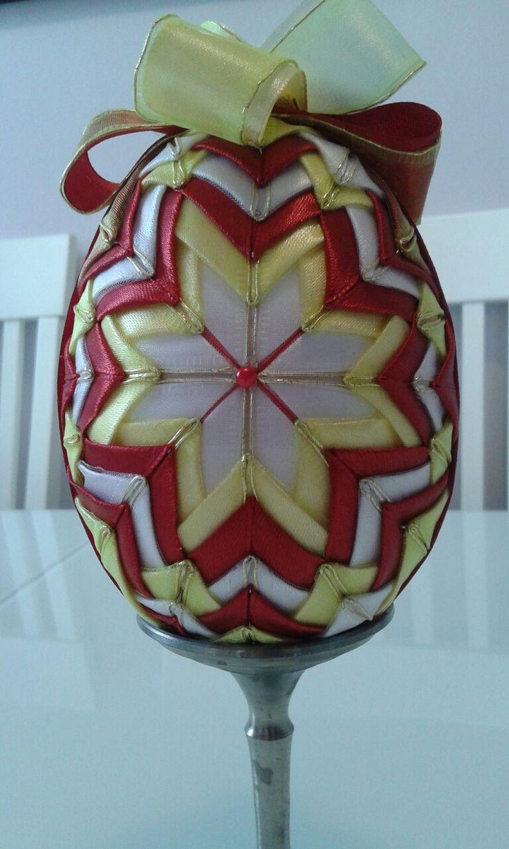Jajko ze wstążek