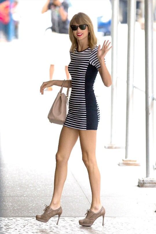 Taylor arriving at a studio in New York 7/31/14.