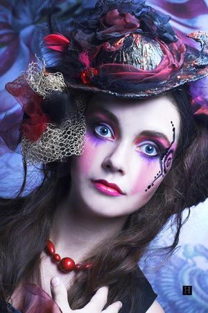 cool makeup | woman halloween costume Moulin Rouge costume hairstyle brown hair