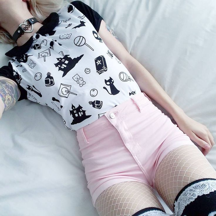 5dc26777b fishnet outfit, pastel goth | Clothes in 2019 | Pastel goth outfits ...